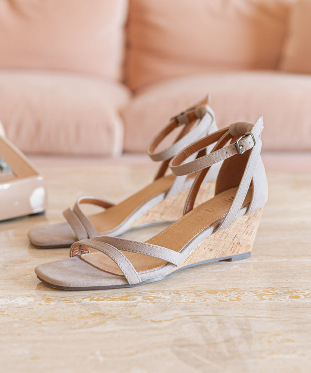 Yuri Taupe | Strappy Wedge Sandal
