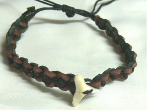Bracelet Leather with Shark Tooth