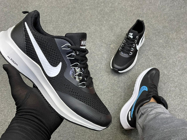 New Nike shoes zoom Black and White