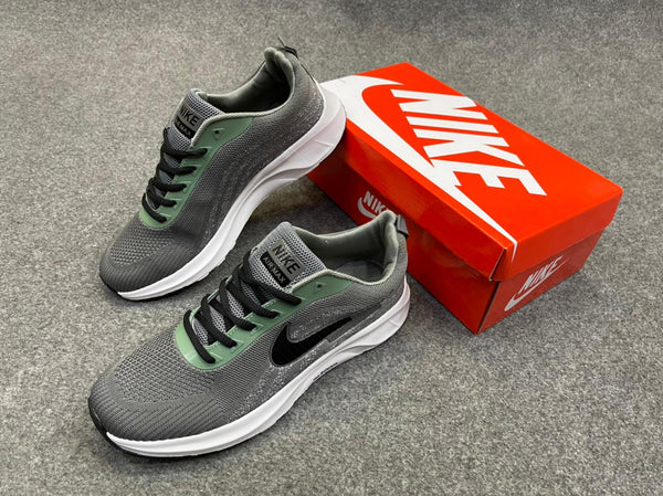New Nike shoes zoom Green and Black