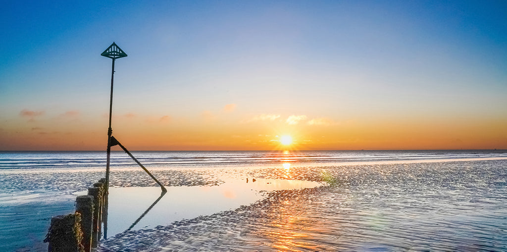 'The Final Sunset of 2020 at East Wittering Beach'  Canvas Print