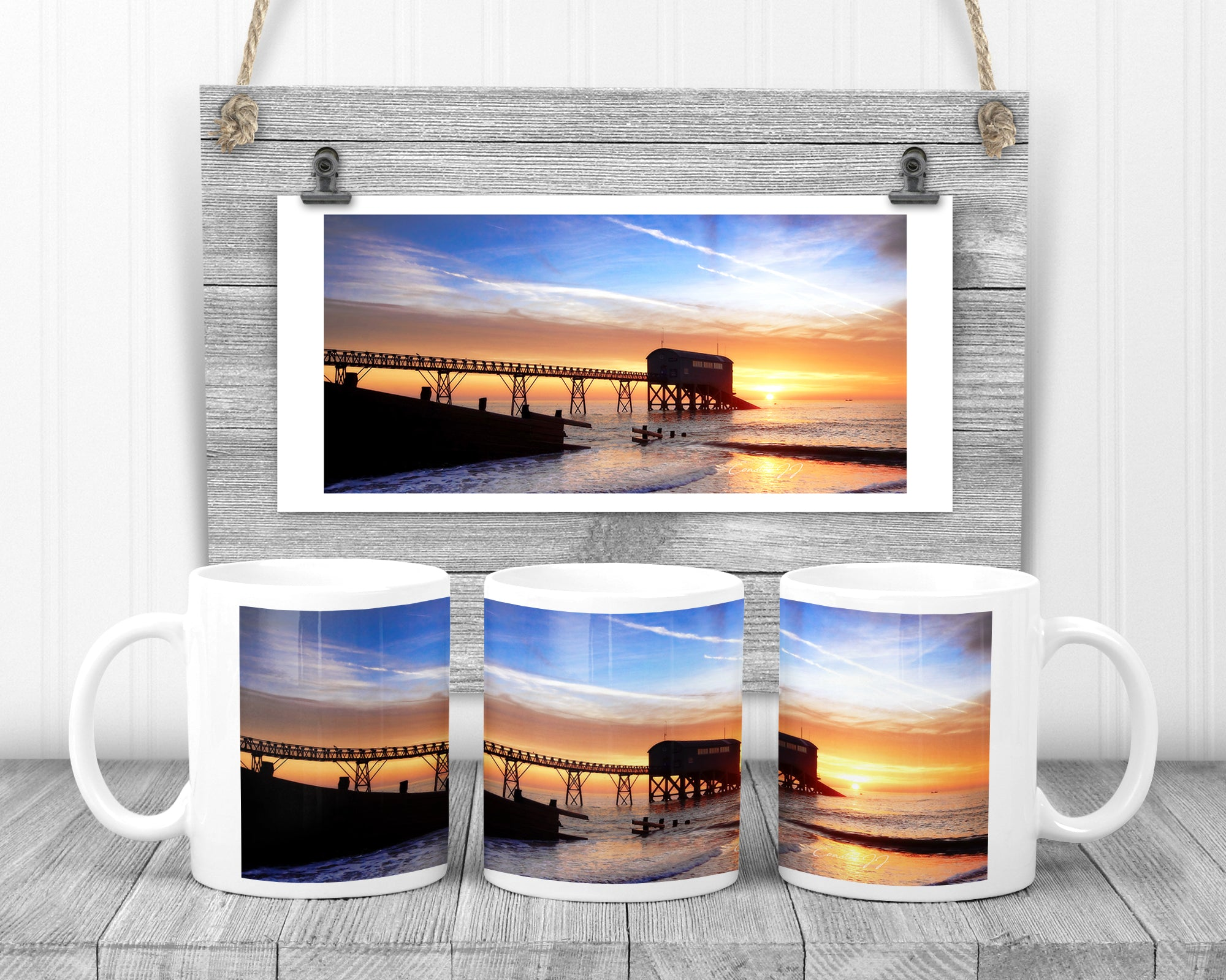 Winter Sunrise Over the Lifeboat Station' - 11oz Ceramic Mug