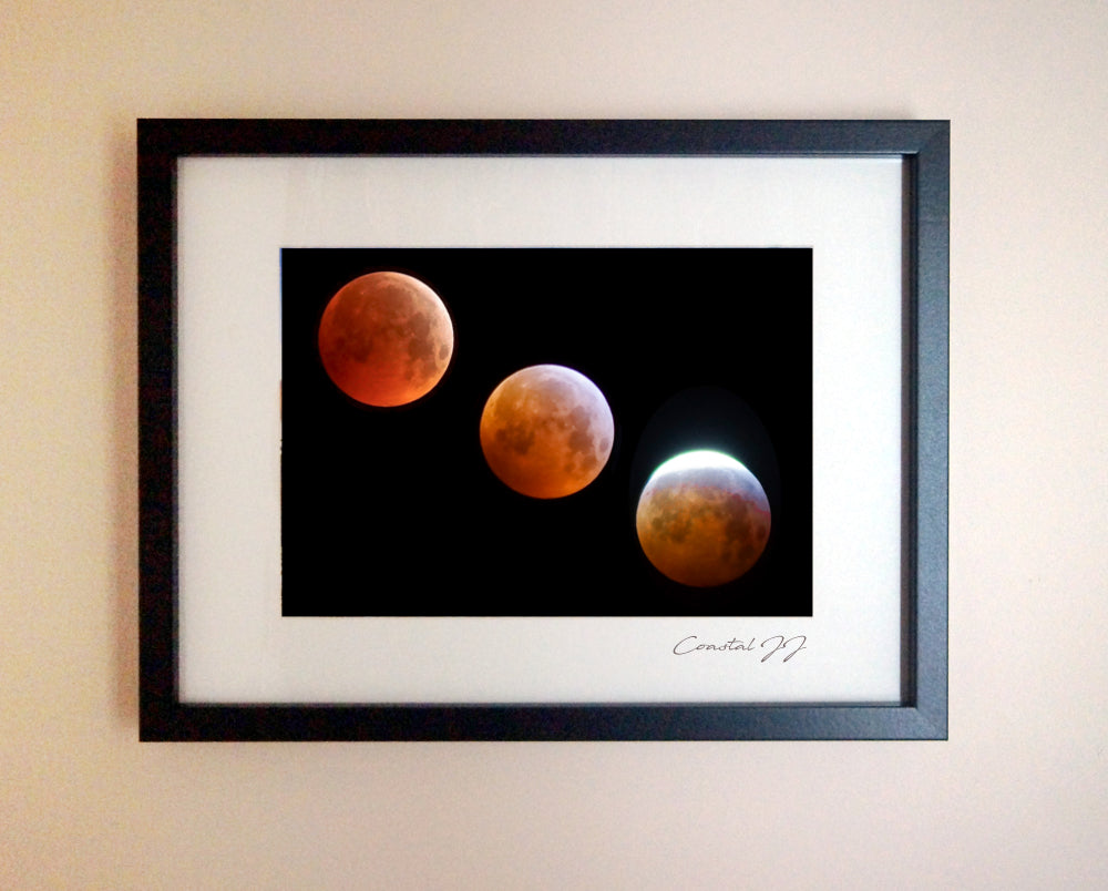 'The 2019 Super Blood Wolf Moon' Framed Print - £40