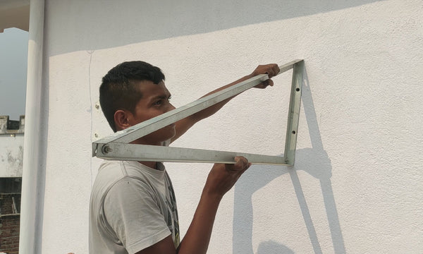 install wall mounted solar panel stand