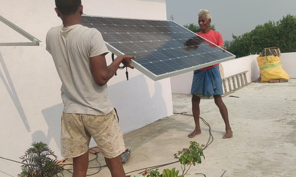 mounting solar panel on panel stand