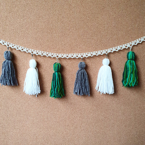 Dappled Bush Tassel Garland