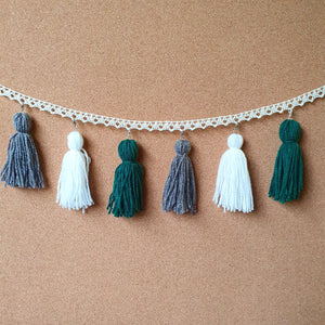 Snowy Mountains Tassel Garland