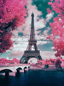 Eiffel Tower Love 5D Diamond Painting
