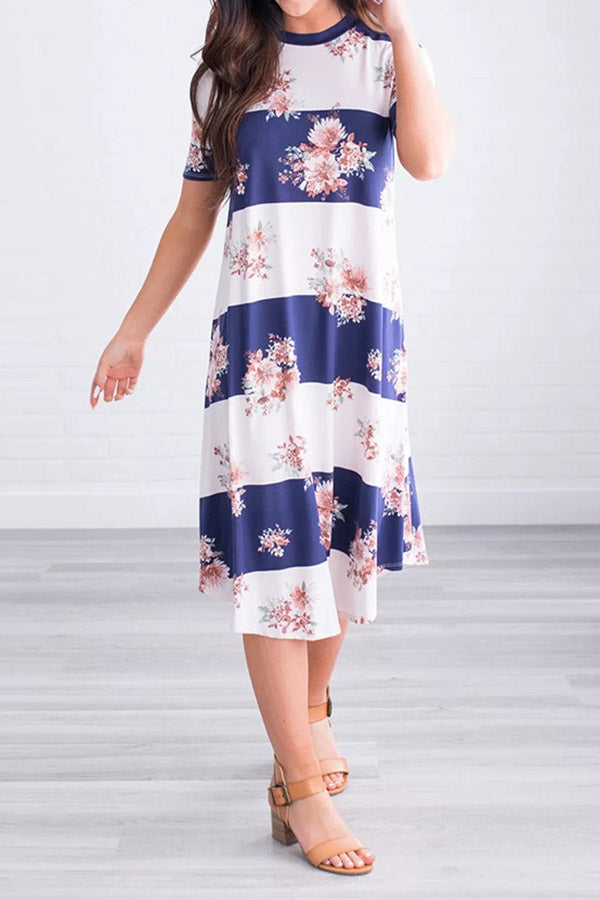Round Neck Short Sleeve Floral Printed Dress