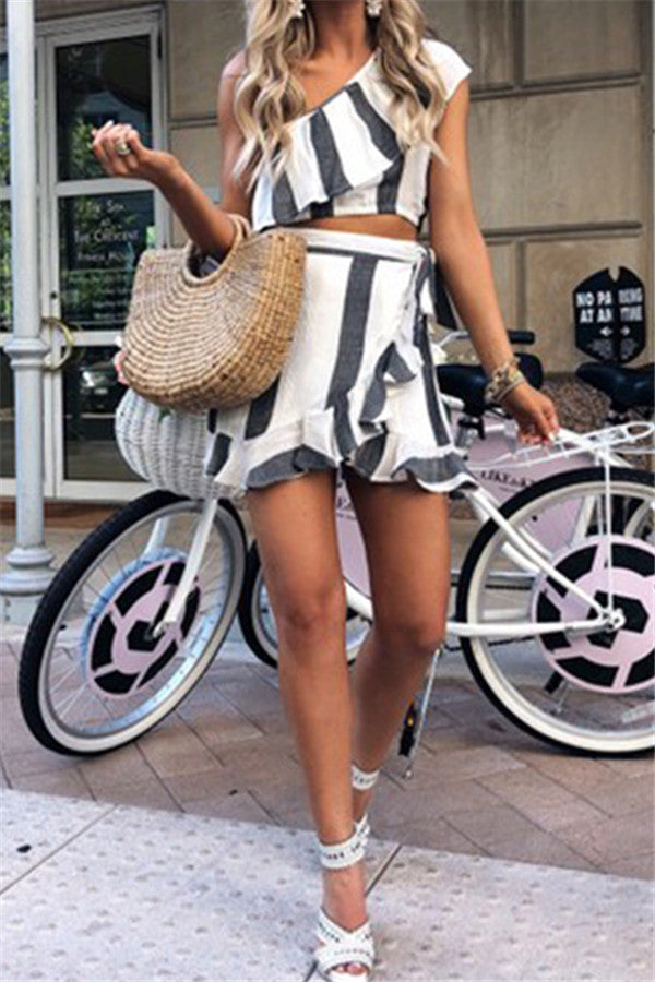 One Shoulder Stripe Print Ruffled Two Piece Dress