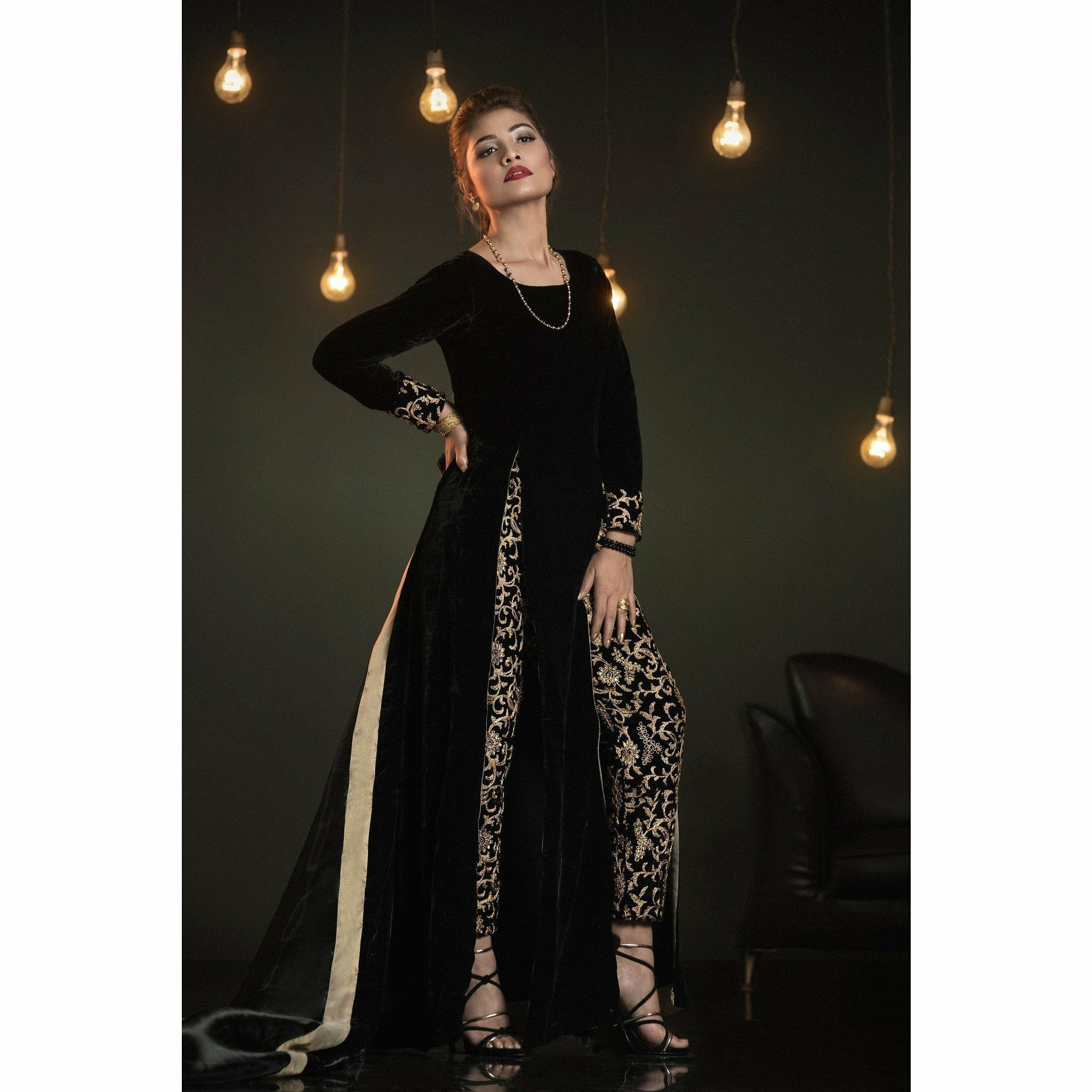 A-MEENAH Embroidered Fully Stitched Women's Suit | A-Blacks 04 (ANEESA SHARIF) - House of Faiza