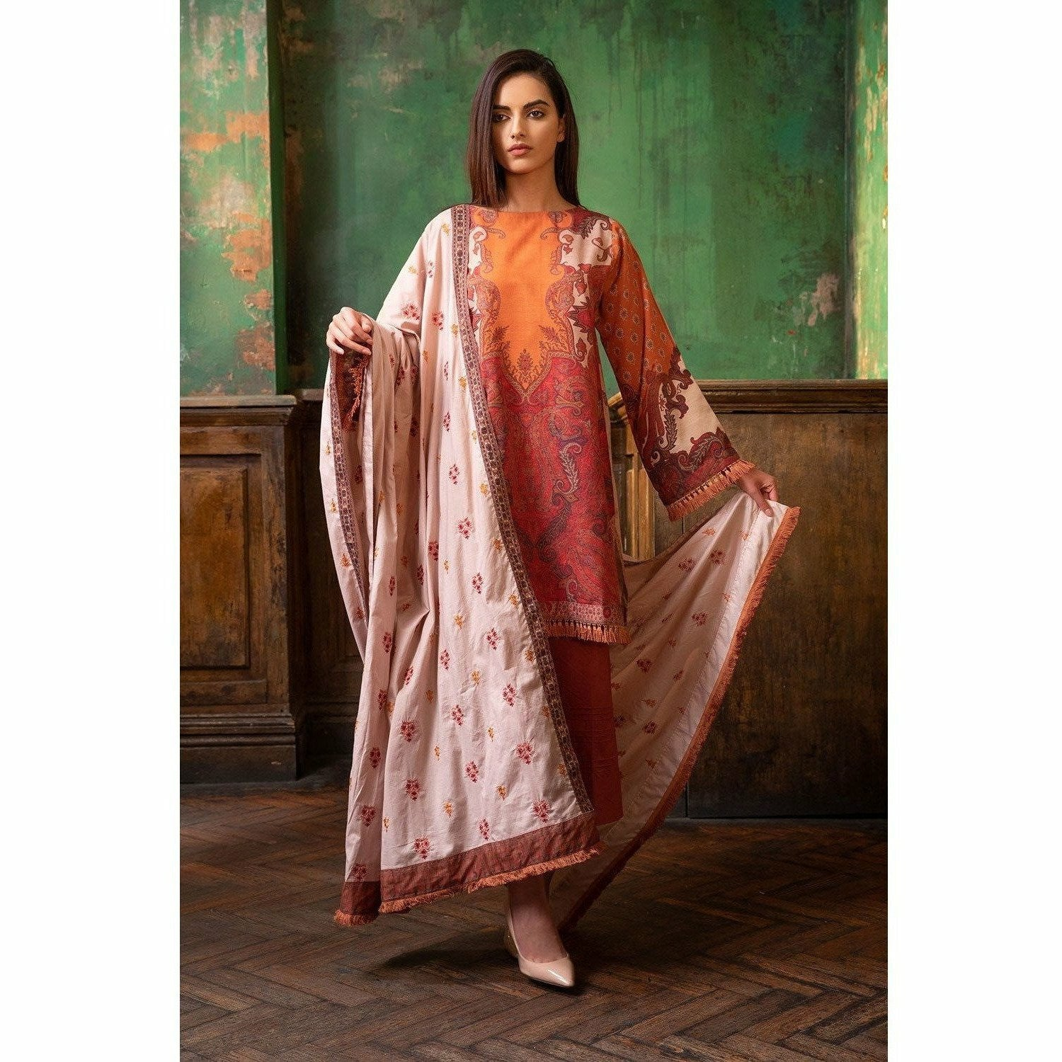 Sobia Nazir Winter 19 - Design 6A