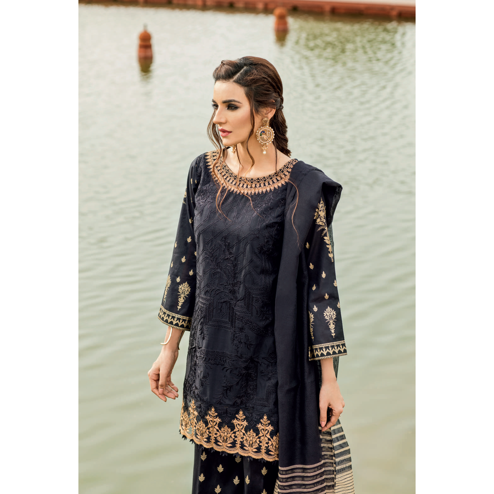 2105e4eeea0 IZNIK Pakistani Clothes UK