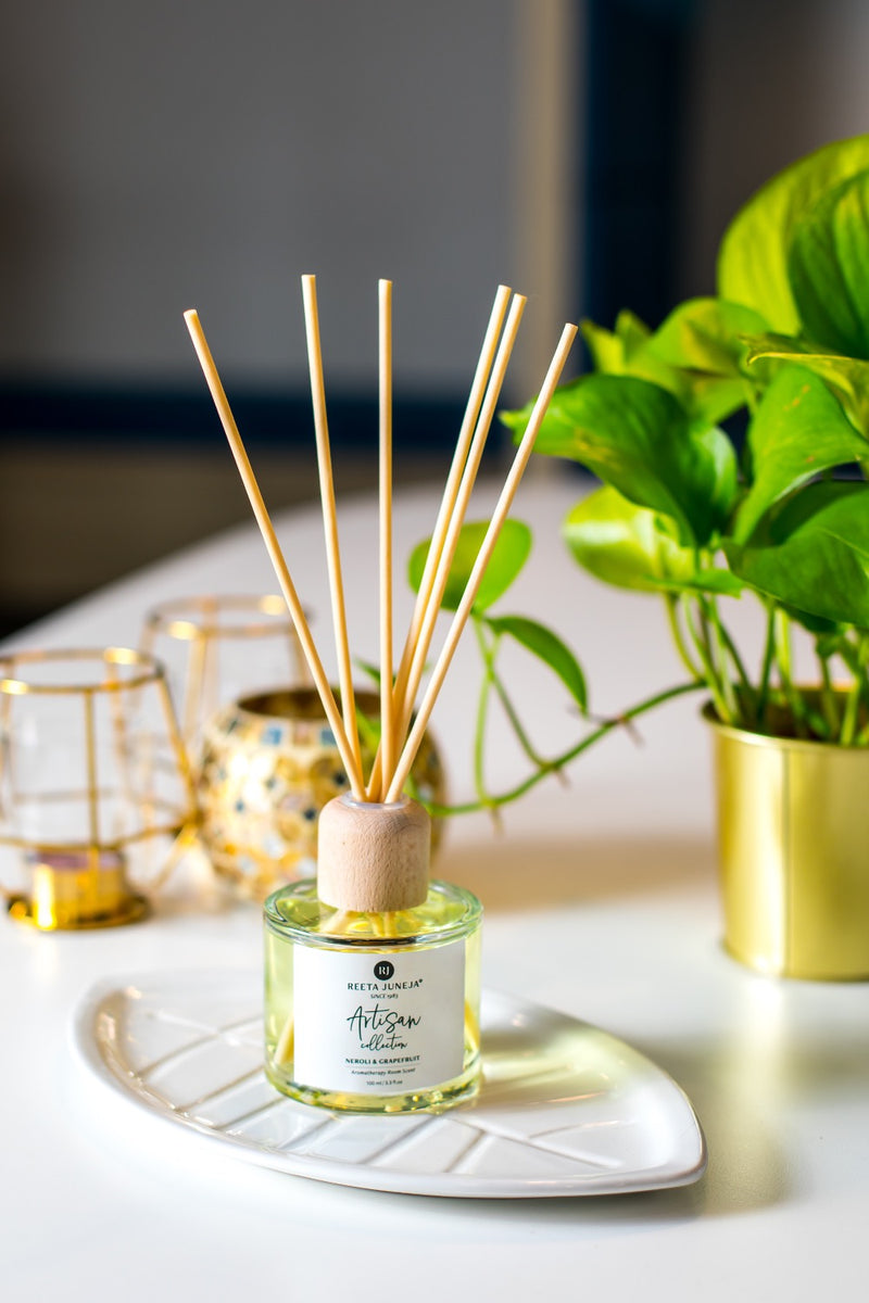 <small>Artisan Collection</small><p>Neroli & Grapefruit Aromatherapy Reed Diffuser</p><p><small>(100 ml / 3.4 fl oz)</small></p> - Reeta Juneja