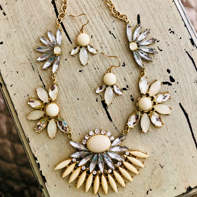 Embellished Ivory Statement Necklace Set