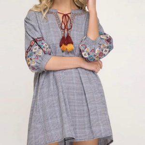 EMBROIDERED 3/4 SLEEVE GRAY PLAID DRESS