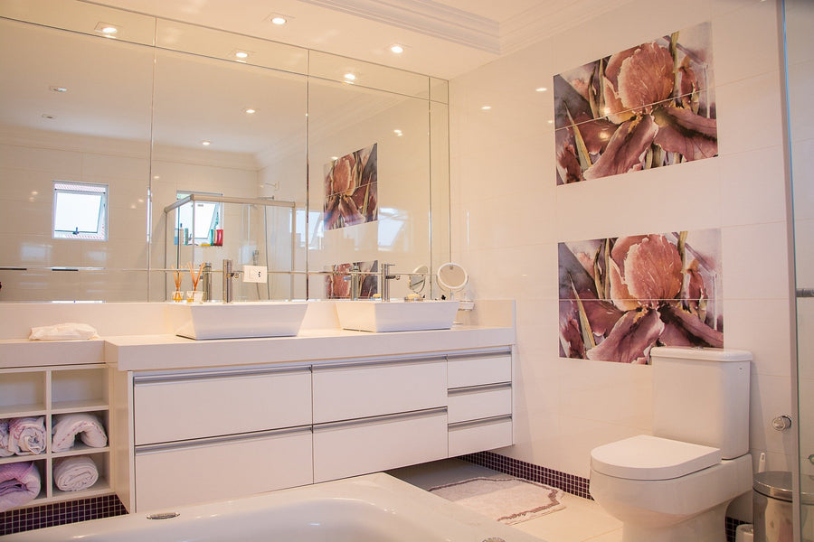 Modern And Chic Bathroom Designing