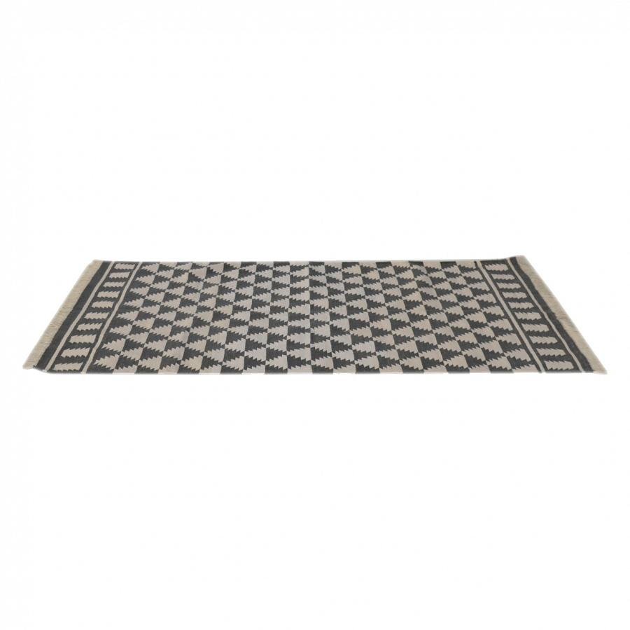 Black White Diamond Pattern Rug With Tassels Free Delivery Mb