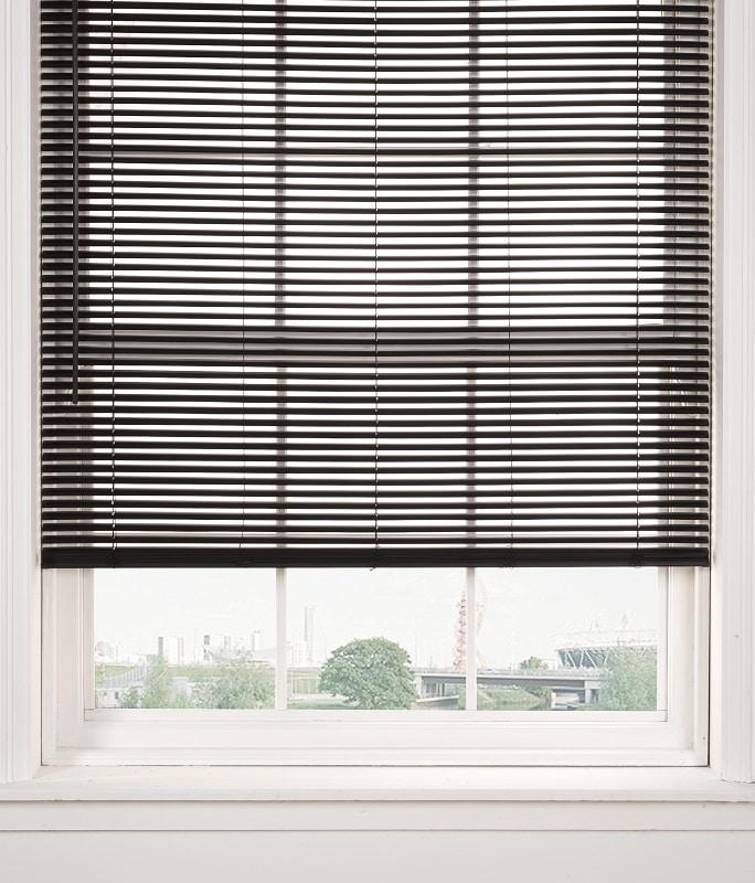 PVC Venetian blind in black