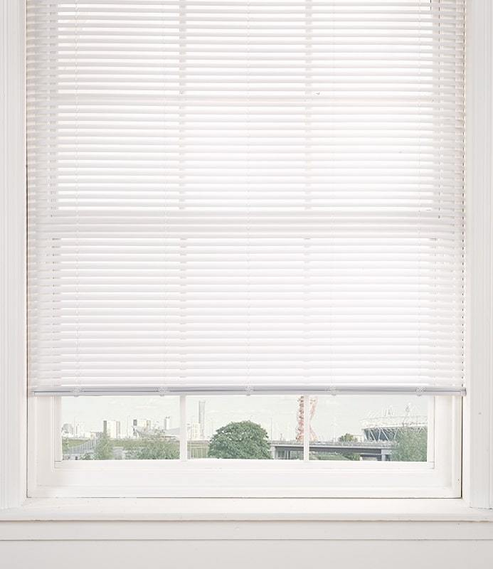 PVC Venetian blind in white