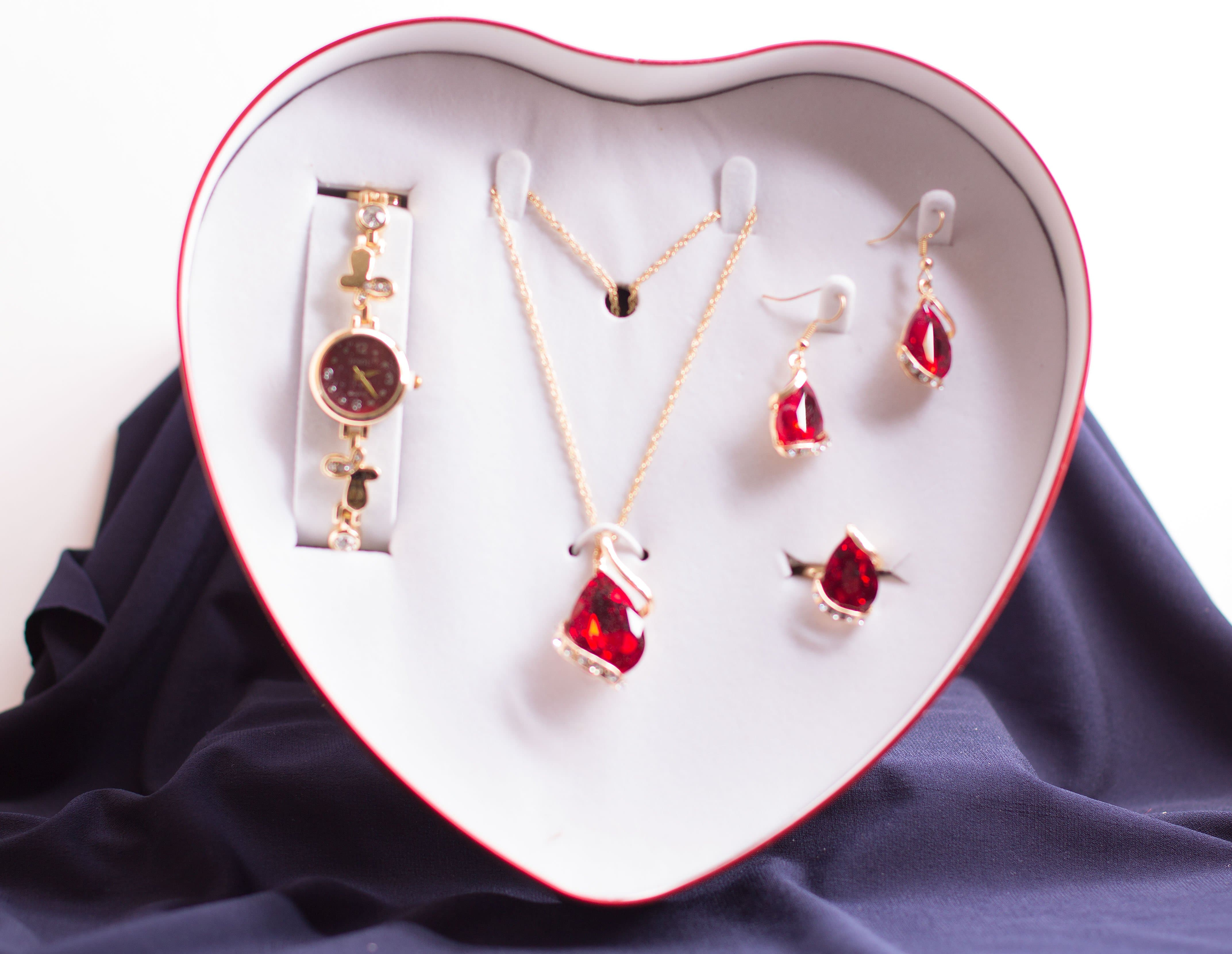 JESOU JEWELRY COLLECTION (Heart Shape)