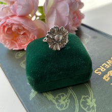 Load image into Gallery viewer, Sterling Silver Daisy Ring