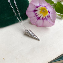 Load image into Gallery viewer, Sterling Silver Large Spiral Shell Necklace