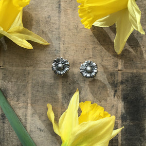 Sterling silver daisy earrings