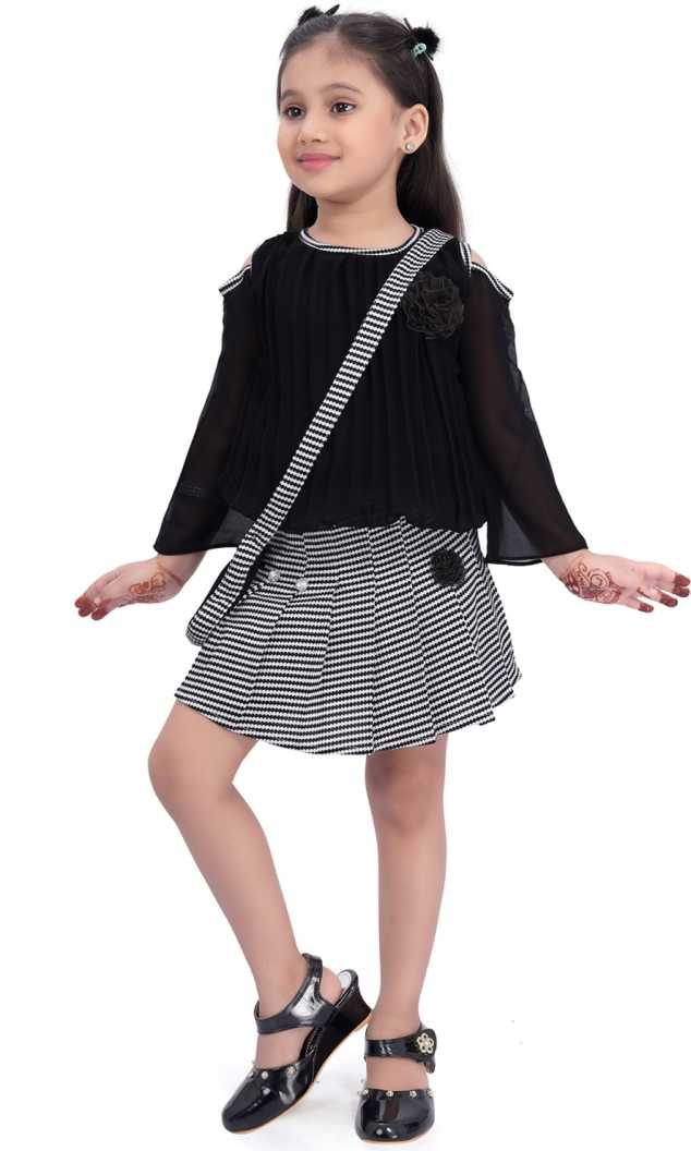 Wish Karo Baby Girls Clothing Set Top with Skirt and Slingbag For Girls  (csl265blk)