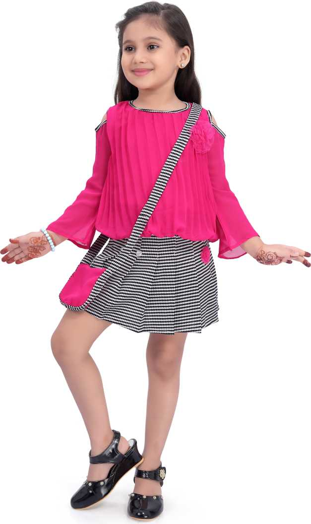 Wish Karo Baby Girls Clothing Set Top with Skirt and Slingbag For Girls (csl265pnk)