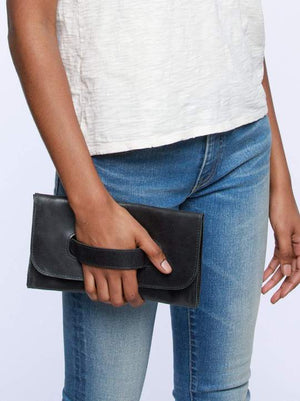 Mare Handle Clutch- Cognac