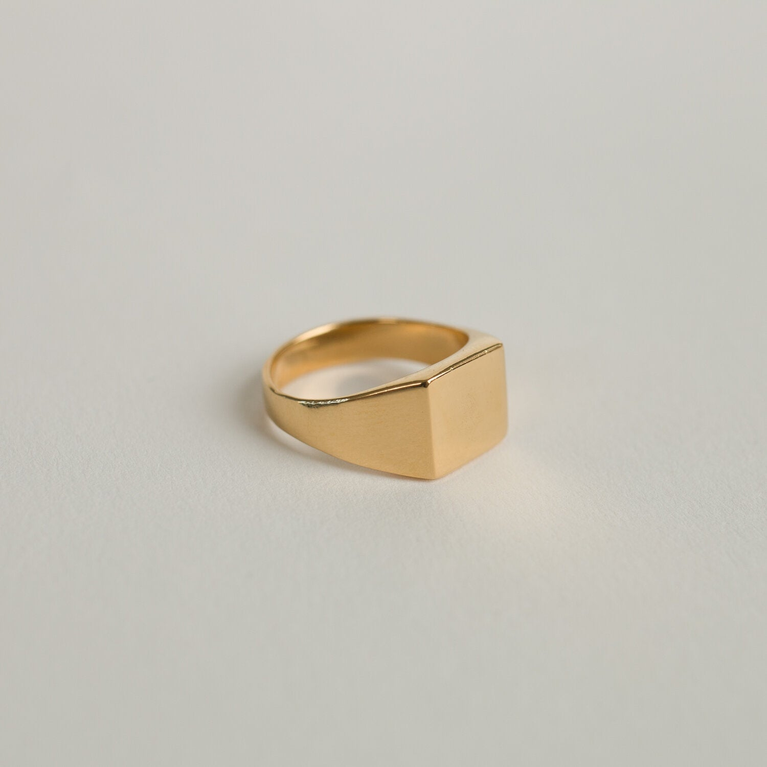 Guy Signet Ring