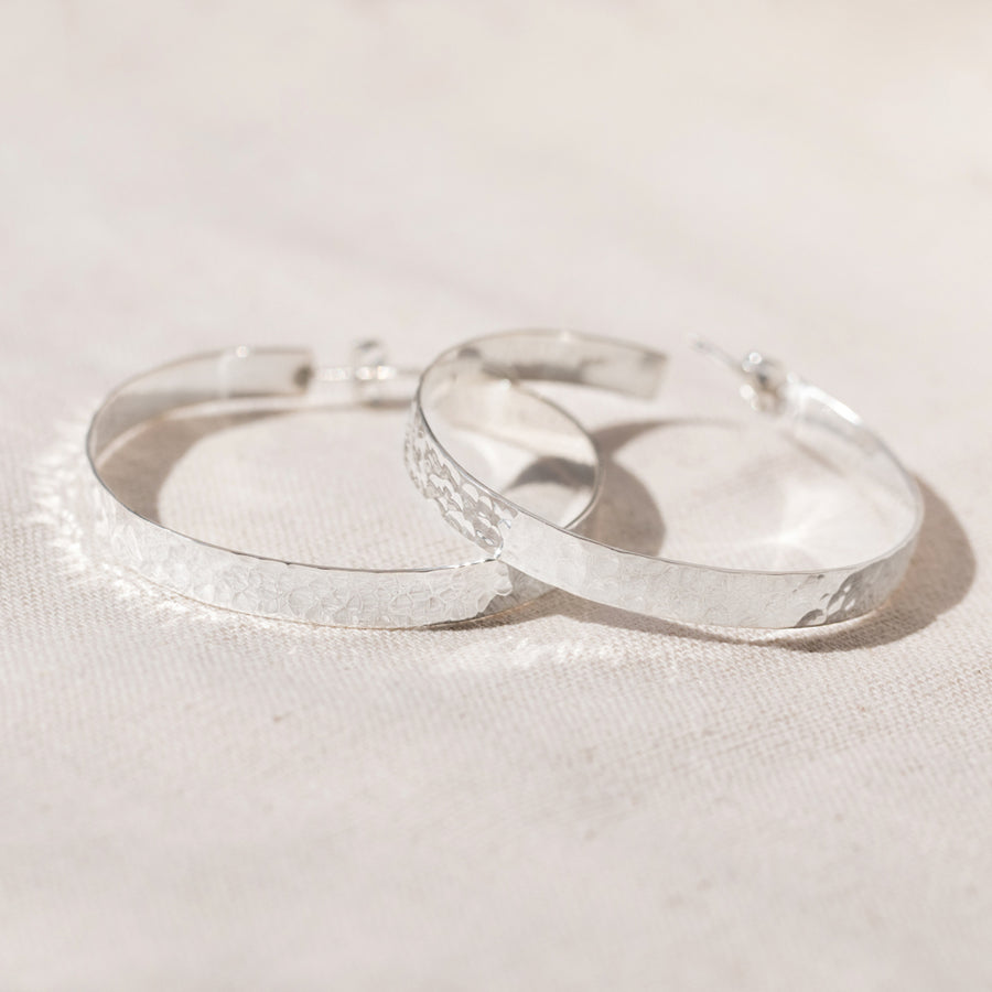 Agonda - Extra Large hoops in Hammered Silver