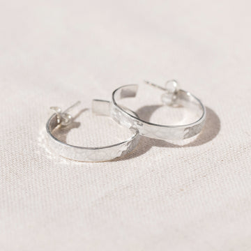 HAMMERED FINISH LARGE SILVER HOOP EARRINGS - AGONDA