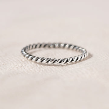 DELICATE THIN SILVER TWISTED RING - KOH LANTA ROPE TWIST