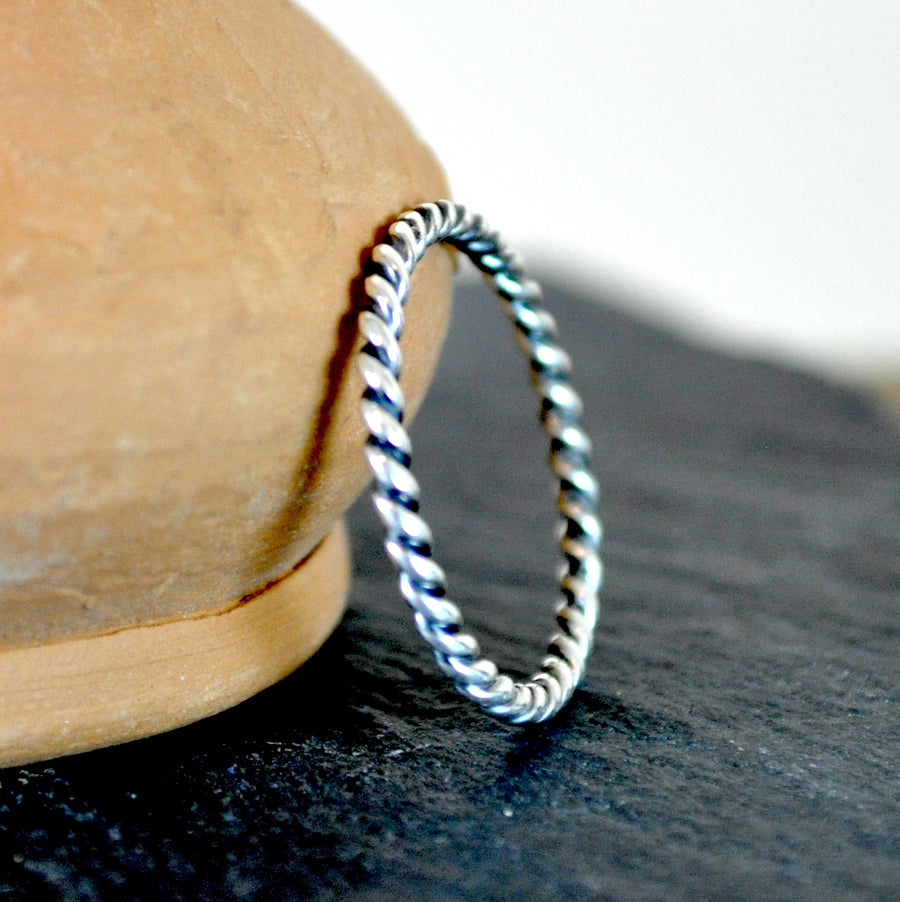 Koh Lanta - Thin Rope Twist Ring