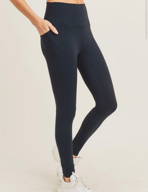 BLK athletic legging