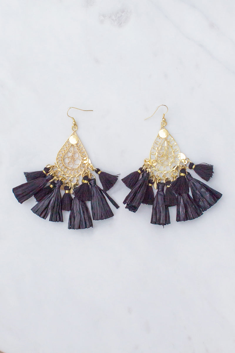 black boutique earrings, black fashion earrings, black tassel earrings, boutique tassel earrings, fashion tassel earrings