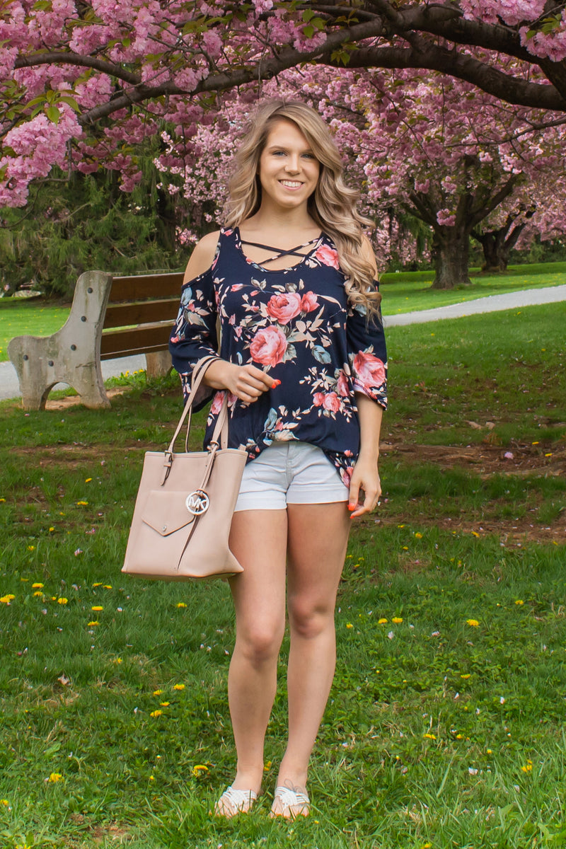 Trendy Floral Blouse, Trendy Navy Floral Top