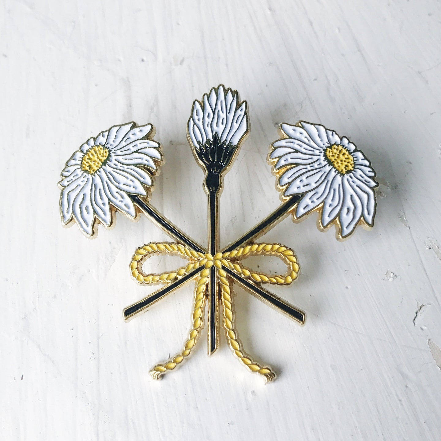 WILDFLOWER BOUQUET LAPEL PIN
