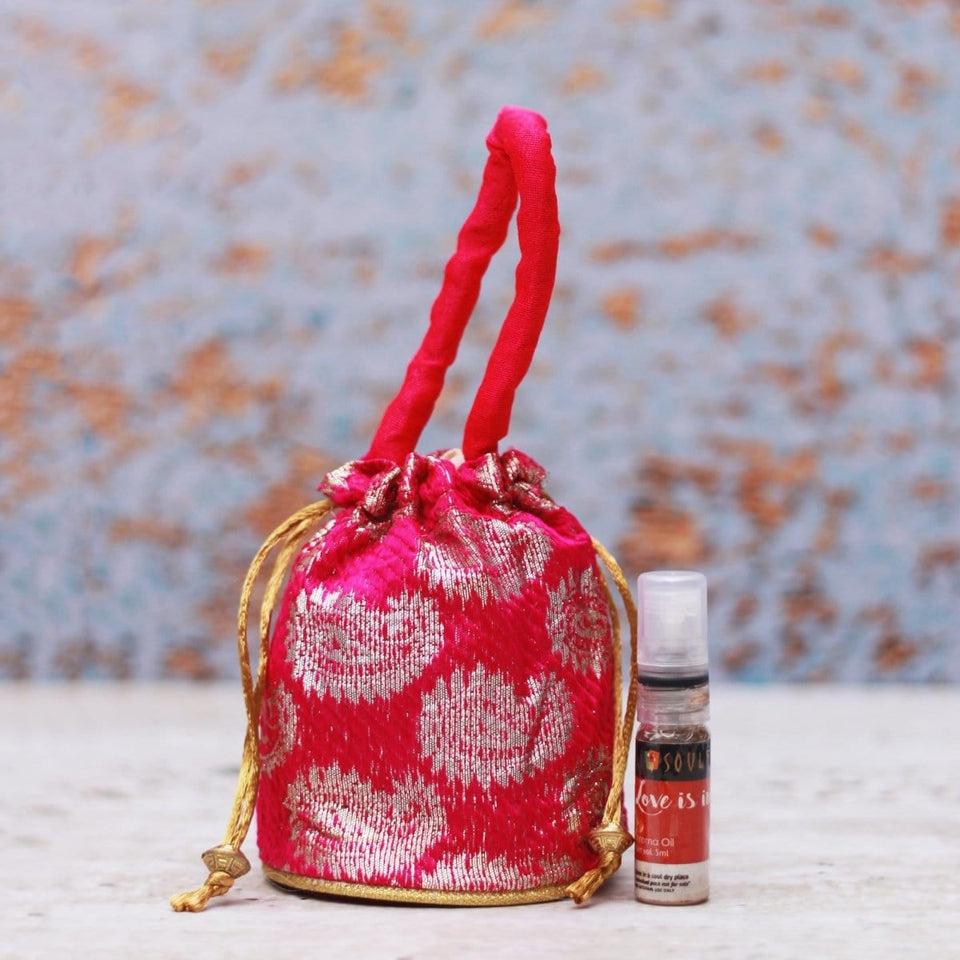 SOULFLOWER LOVE IS IN THE AIR AROMA POUCH WITH BOTTLE - Soulflower