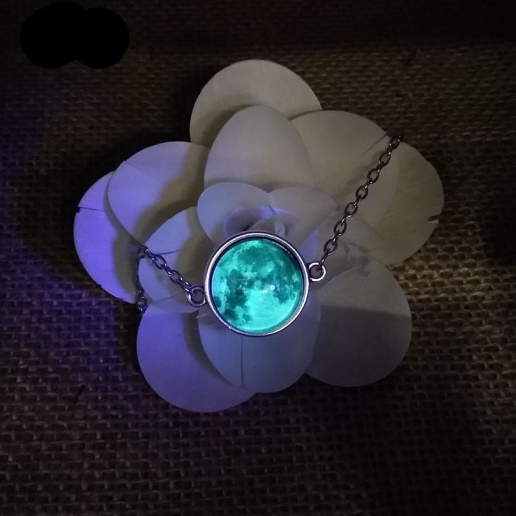 Elegant Glow In The Dark Full Moon Bracelet