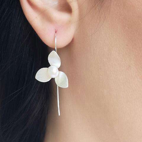 Sterling Silver Flower and Pearl Threader Earrings Earrings BeAdornedUK