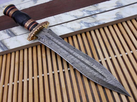 25% off (free shipping) Beautiful custom hand made damascus steel hunting dagger knife work of art horn