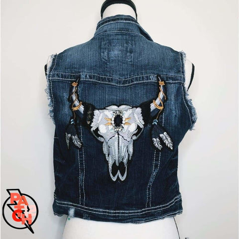 Cattle Call. Denim Vest- Girls M. Jean jacket. Steer skull patch. Statement jacket. Patch12 - Clothing
