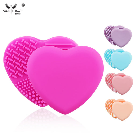 Lovely Heart Brush Cleaner