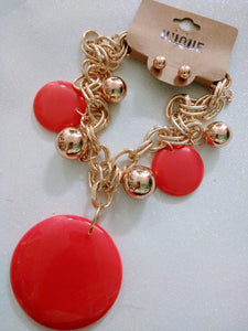 Chunky pink and gold necklace