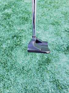 "Bettinardi Studio Stock 28 Center Shaft Putter 34"" RH Deep Etched Lamkin Grip"