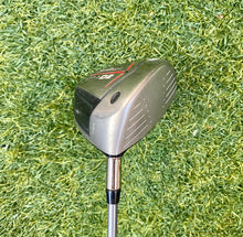 Titleist 907 D2 10.5* Driver, RH, Mitsubishi Diamana 65 Stiff Graphite Shaft- Good Condition