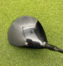Titleist 910 D3 9.5* Driver, RH, Aldila Phenom 70 3.2 Stiff Graphite Shaft- Good Condition!!